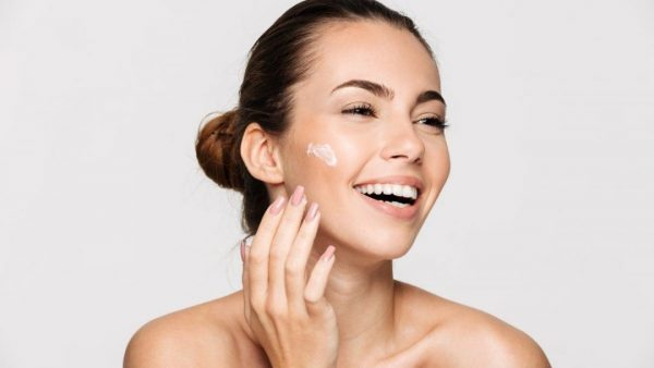 Avoid Developing Common Skin Problems: 6 Skincare Tips, Guides, and Hacks
